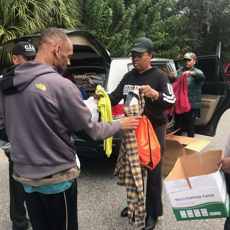 homeless-camp-assistance-9